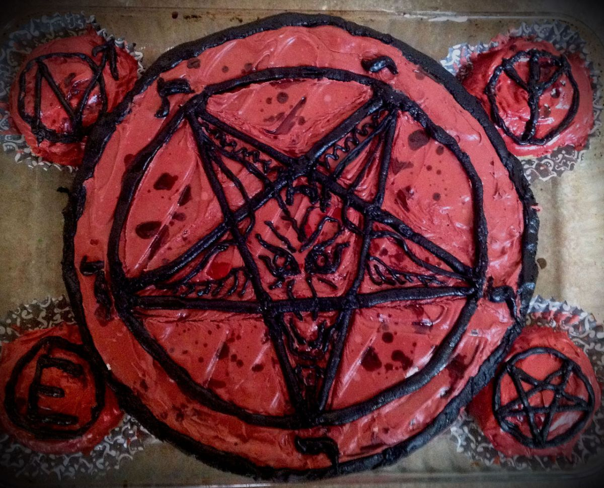Satanic Temple Wants Followers to Force Christian Bakers to Make a Cake to 'HonorSatan'