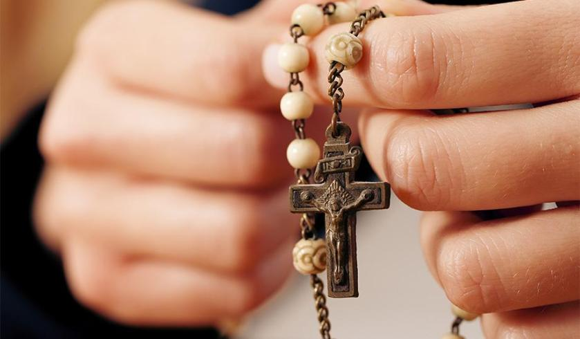 catholic-rosary-father-donald-calloway-discusses-new-book-b