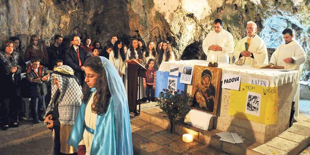 Christians in Turkey celebrating Christmas