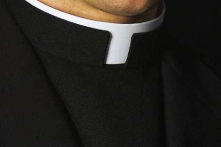 Priest_collar_Credit__Gregory_Dean_via_wwwshutterstockcom_CNA